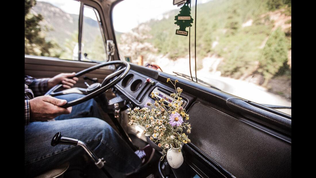 VW T2, Westfalia Camper, Rocky Mountains, Doormobil
