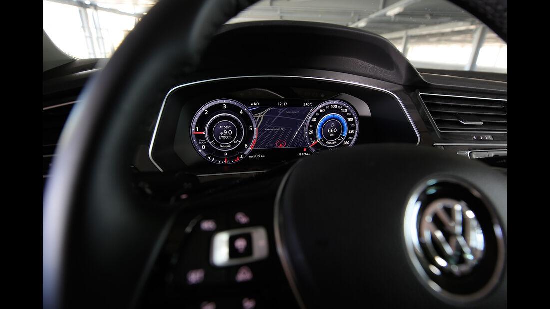 VW Tiguan 2.0 TDI 4Motion, Anzeigeinstrumente