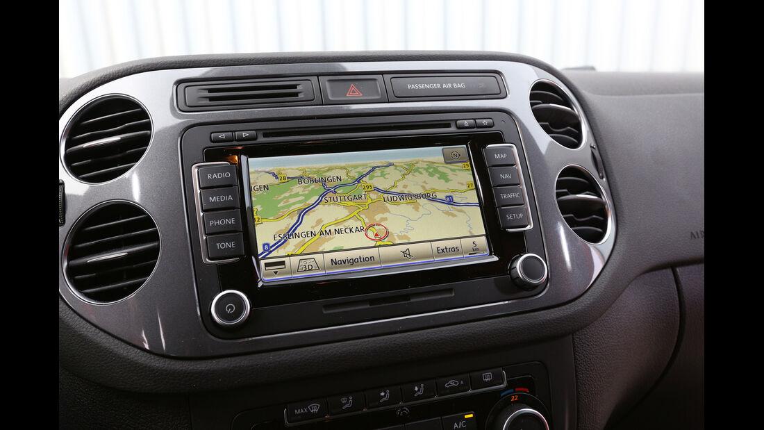 VW Tiguan 2.0 TDI 4Motion, Navi, Display