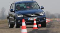 VW Tiguan 2.0 TDI BMT, Frontansicht, Slalom