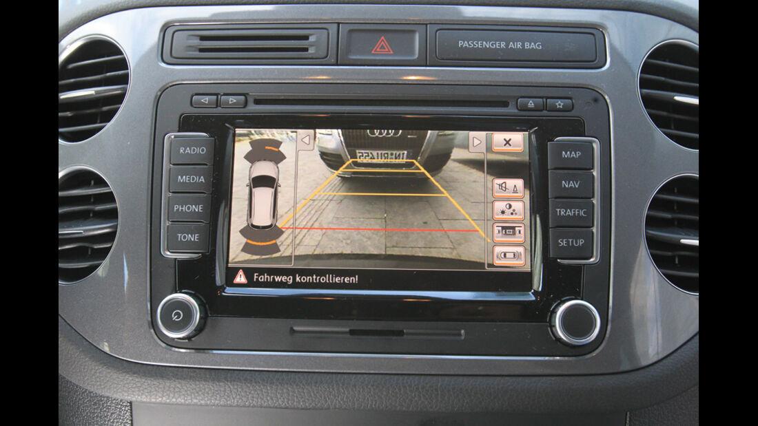 VW Tiguan 2.0 TSI 4motion Sport & Style, Display, Kamera