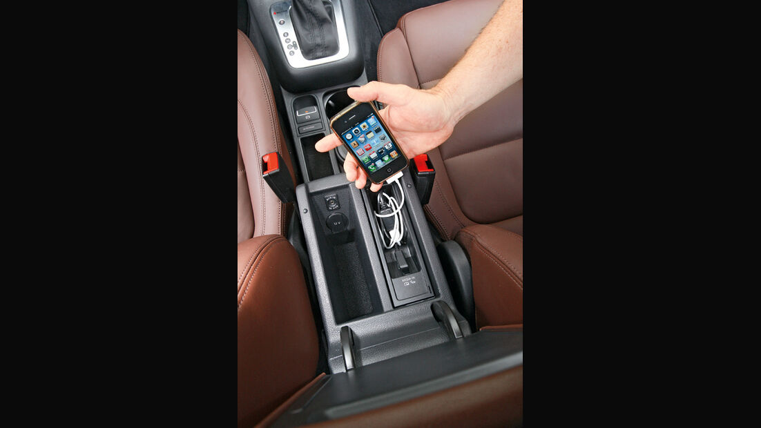 VW Tiguan 2.0 TSI 4motion Sport & Style, Mittelkonsole, MP3-Anschluß