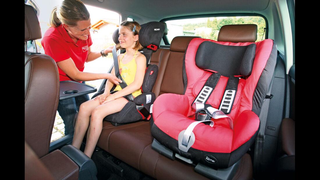 VW Tiguan 2.0 TSI 4motion Sport & Style, Rückbank, Kindersitz