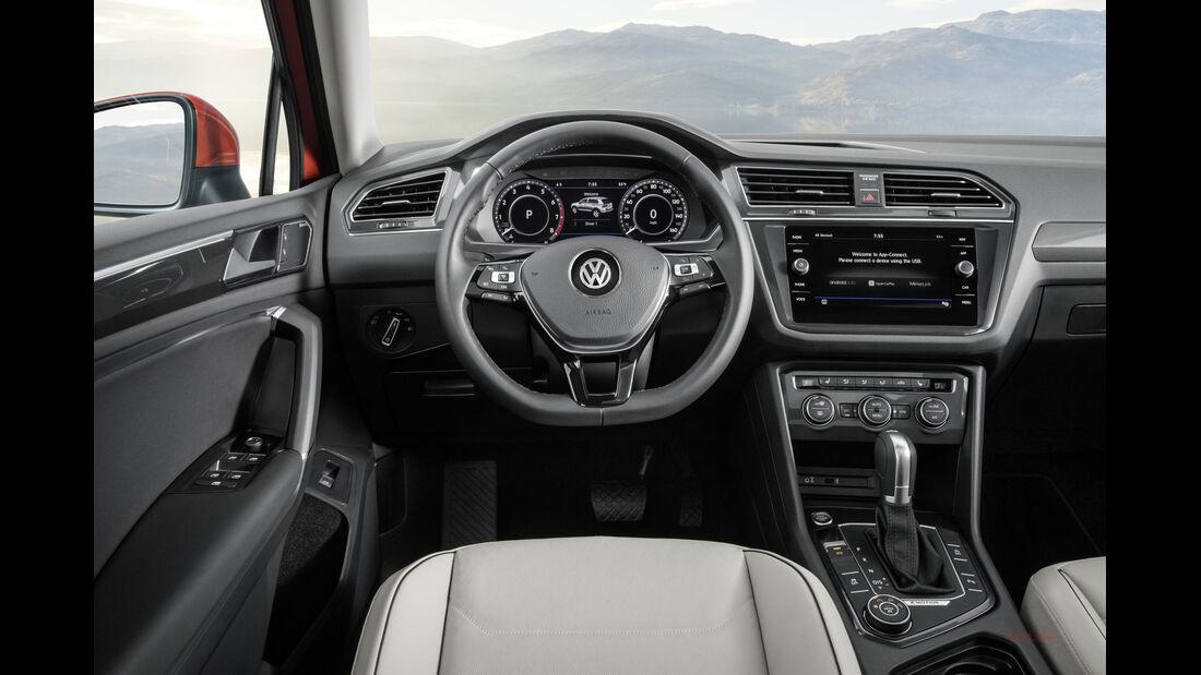 VW Tiguan Allspace Premiere Detroit 2017