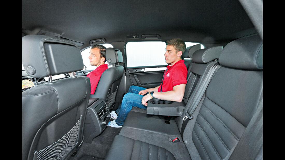 VW Touareg 3.0 TDI, Rücksitz, Beinfreiheit