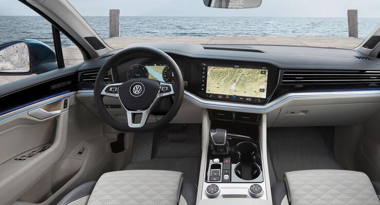https://imgr1.auto-motor-und-sport.de/VW-Touareg-3-Generation-2018-Fahrbericht-ASV-12-2018-articleDetail-4c5a882c-1161335.jpg
