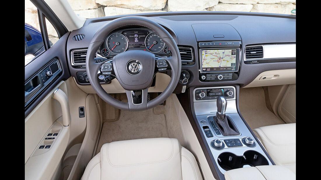 VW Touareg V6 TDI BMT SGR, Cockpit