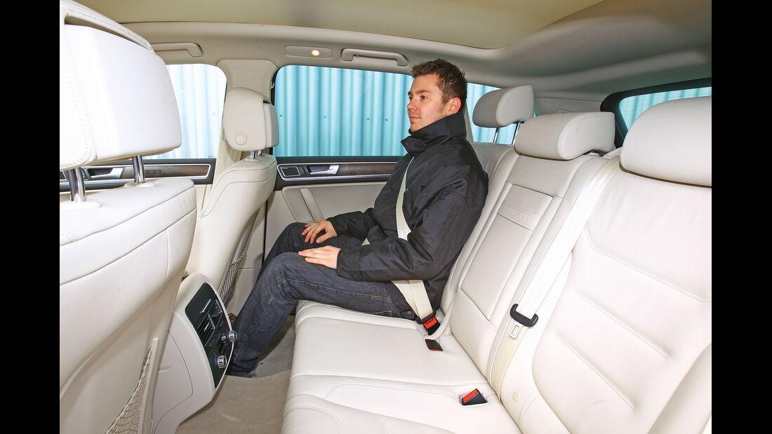 VW Touareg V6 TDI Blue Motion, Rücksitz, Beinfreiheit