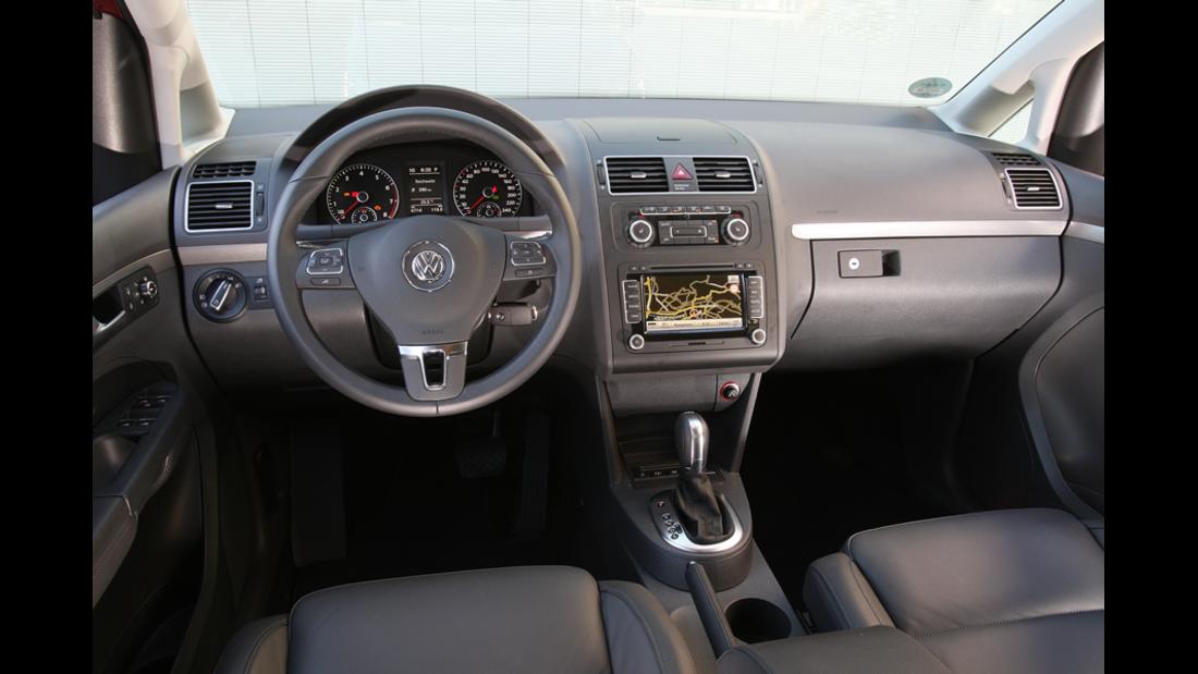 VW Touran 1.4 TSI, Cockpit, Innenraum