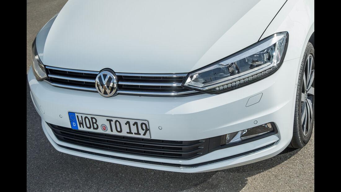 VW Touran 1.4 TSI, Frontscheinwerfer, Kühlergrill