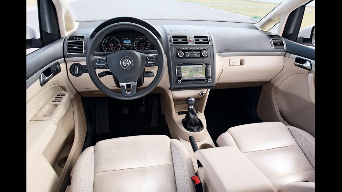 VW Touran 2.0 TDI Highline, Cockpit