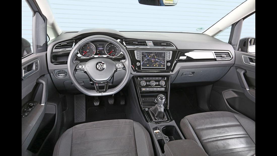 VW Touran 2.0 TDI SCR, Cockpit