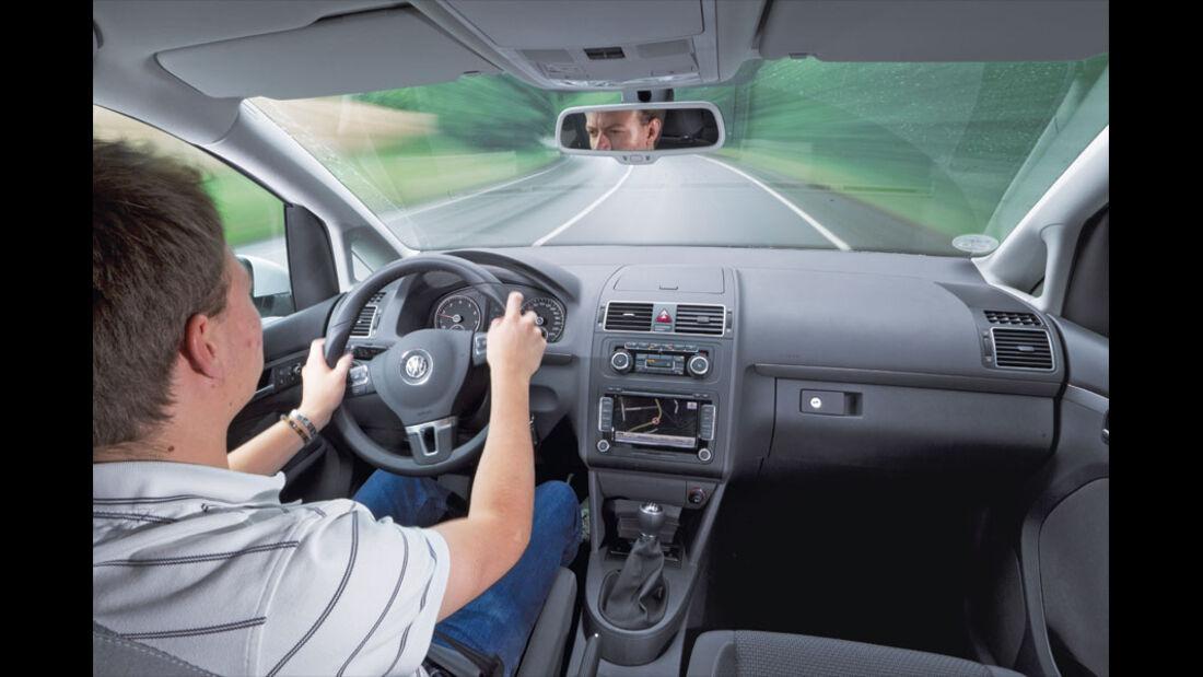 VW Touran, Innenraum, Cockpit
