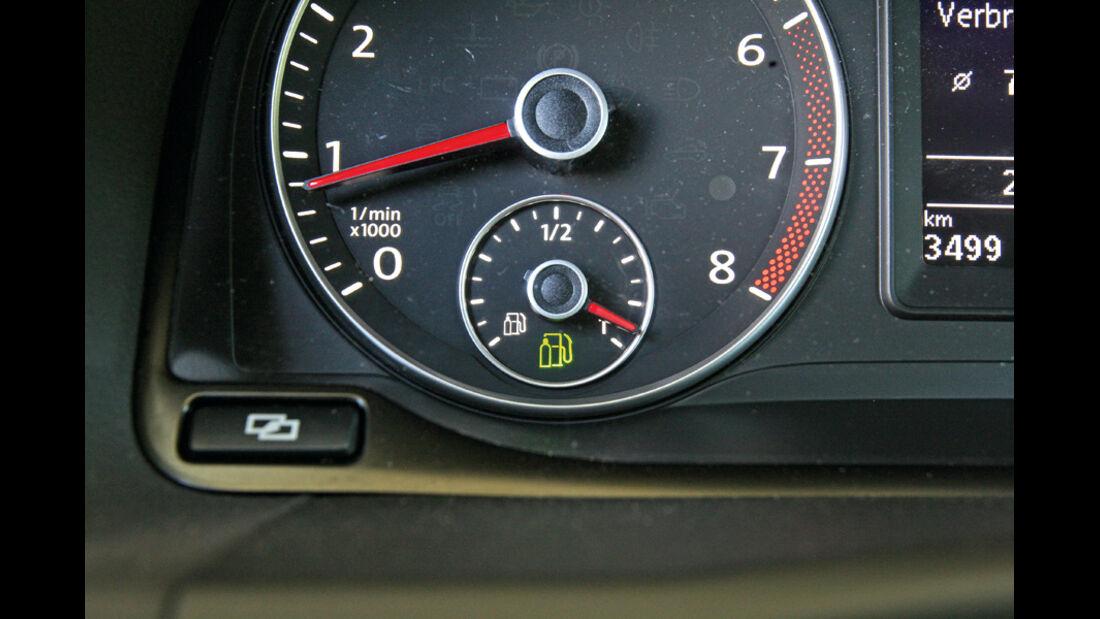 VW Touran TSI Ecofuel, Anzeigeinstrument, Gasreserve