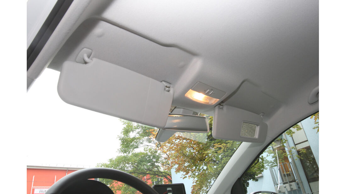 VW Up 1.0 White, Sonnenblende