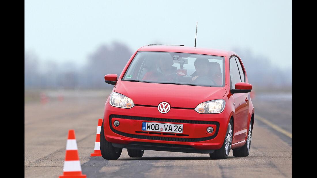 VW Up, Frontansicht, Slalom