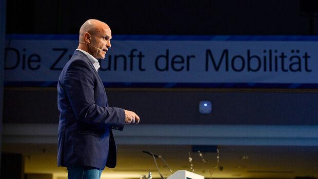 VW-Vorstand Thomas Ulbrich, Interview