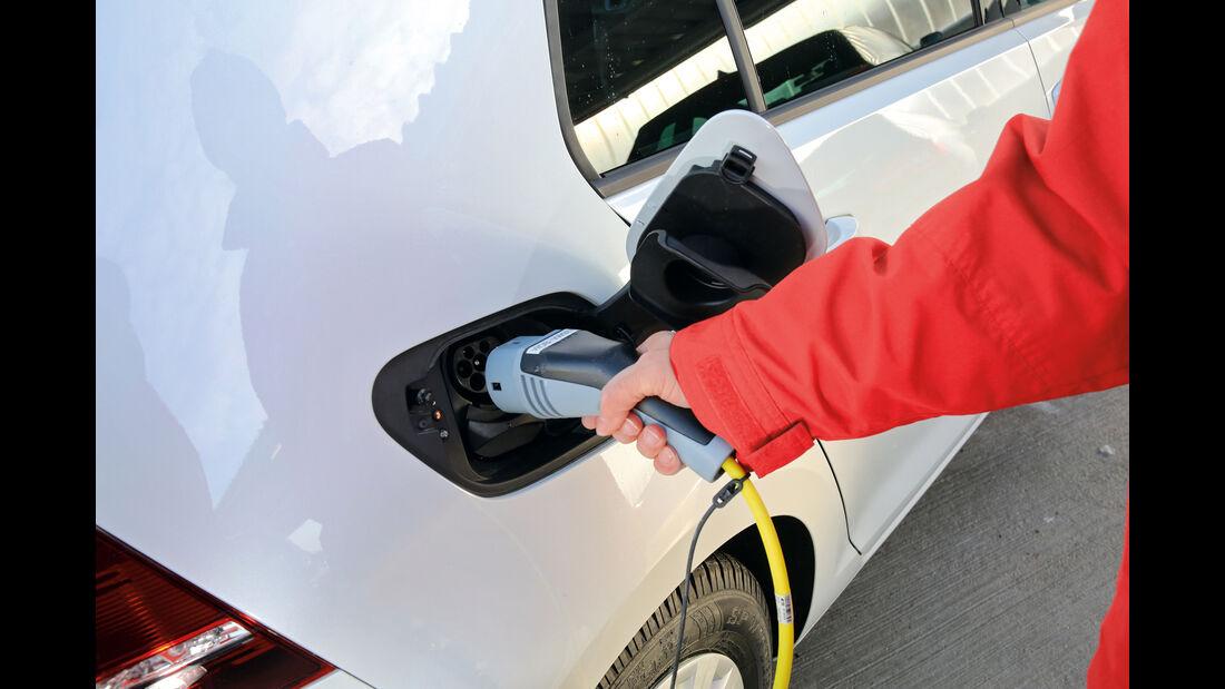 VW e-Golf, Strom laden