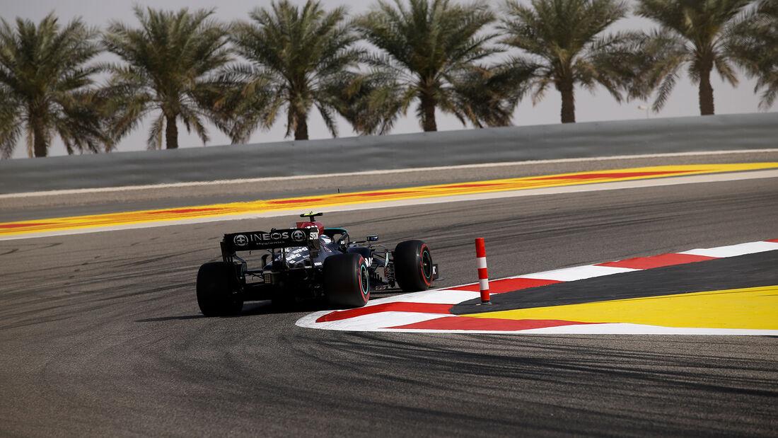 Valtteri Bottas - Mercedes - Formel 1 - GP Bahrain - Freitag - 26.3.2021