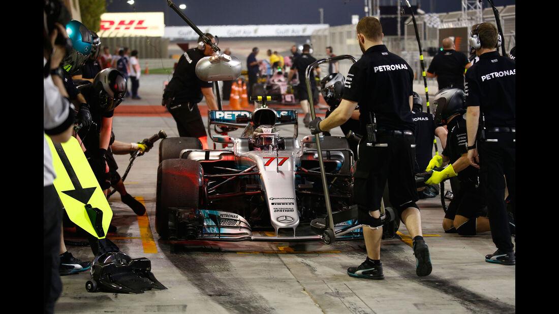 Valtteri Bottas - Mercedes - Formel 1 - GP Bahrain - Sakhir - Training - Freitag - 14.4.2017