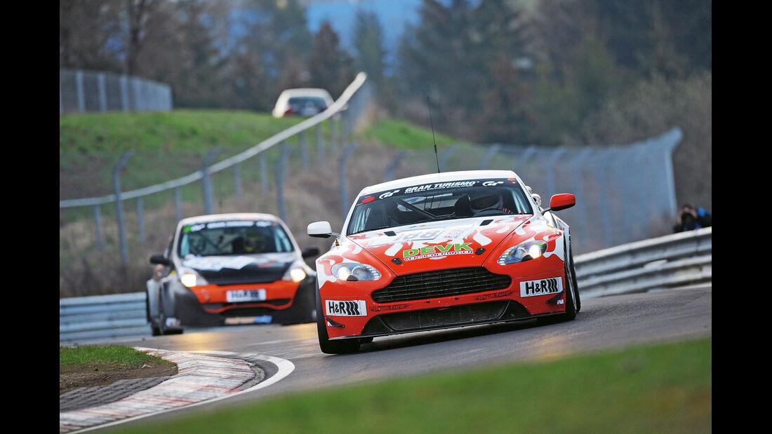 Vantage V8 GT4, Mathol-Team
