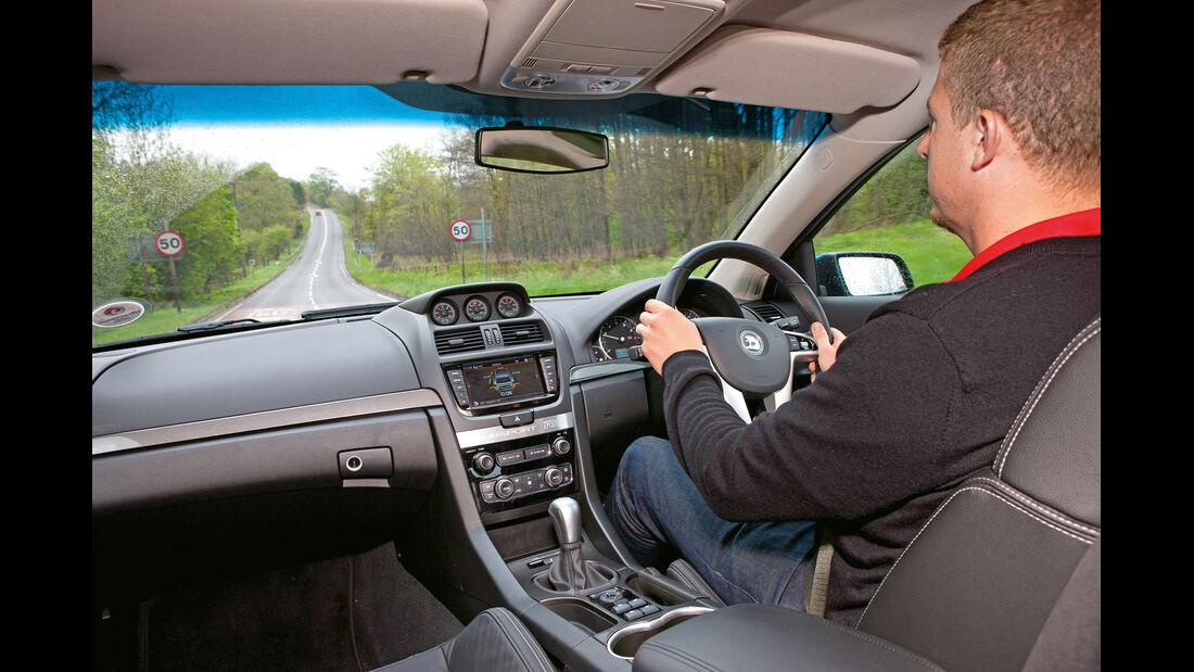 Vauxhall VXR8 Clubsport Wagon, Cockpit, Fahrersicht