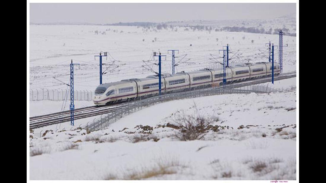 Velaro Zug Spanien Schnee
