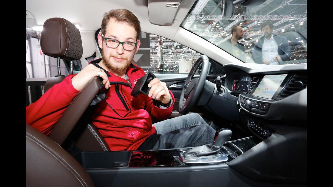 Vergleich Opel Insignia Sports Tourer BMW 5er Touring 2017 Genf