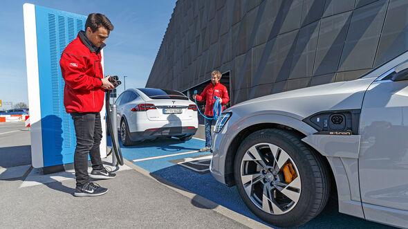 Vergleichstest, Audi e-tron, Tesla Model X, ams0819