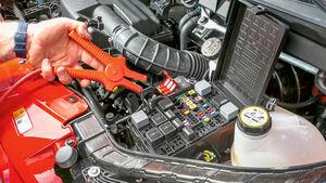 Vergleichstest, Basisfahrzeuge, Servicefreundlichkeit: Ford-Starthilfe