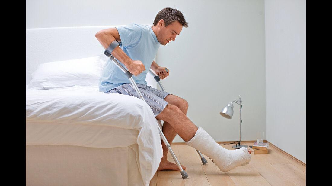 Versicherungs-Ärger, Fußbruch