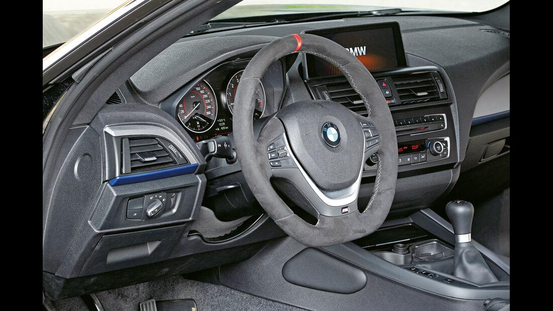 Versus-BMW M135i, Cockpit, Lenkrad