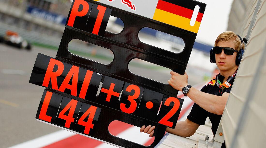 Vettel Boxentafel GP Bahrain 2012