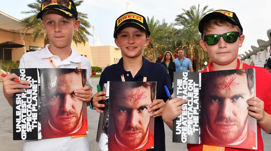 Vettel-Fans - Formel 1 - GP Bahrain - 7. April 2018