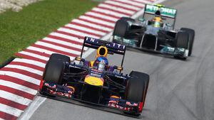 Vettel Hamilton GP Malaysia 2013