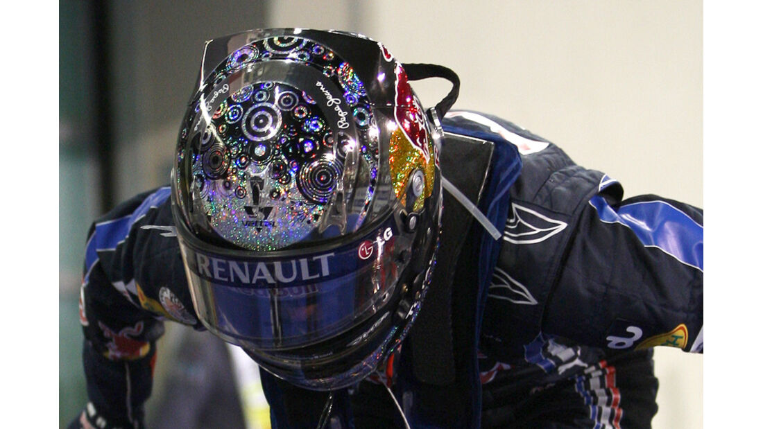 Vettel Helm GP Abu Dhabi 2010