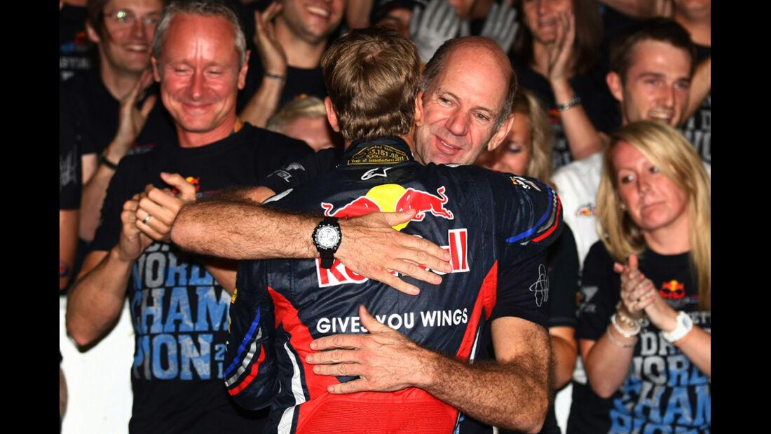 Vettel Newey GP Japan 2011