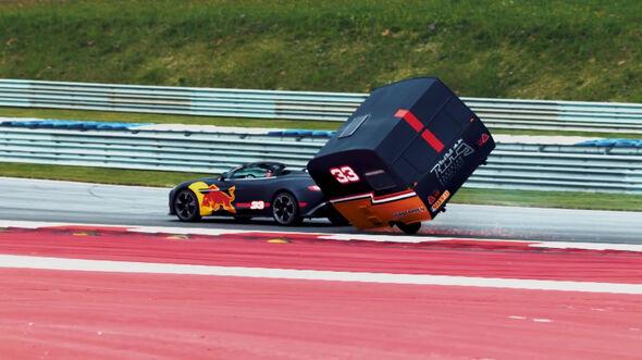Video-Screenshot - Red Bull - Wohnwagen-Rennen - 2017