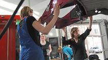 Vier Frauen in der Werkstatt