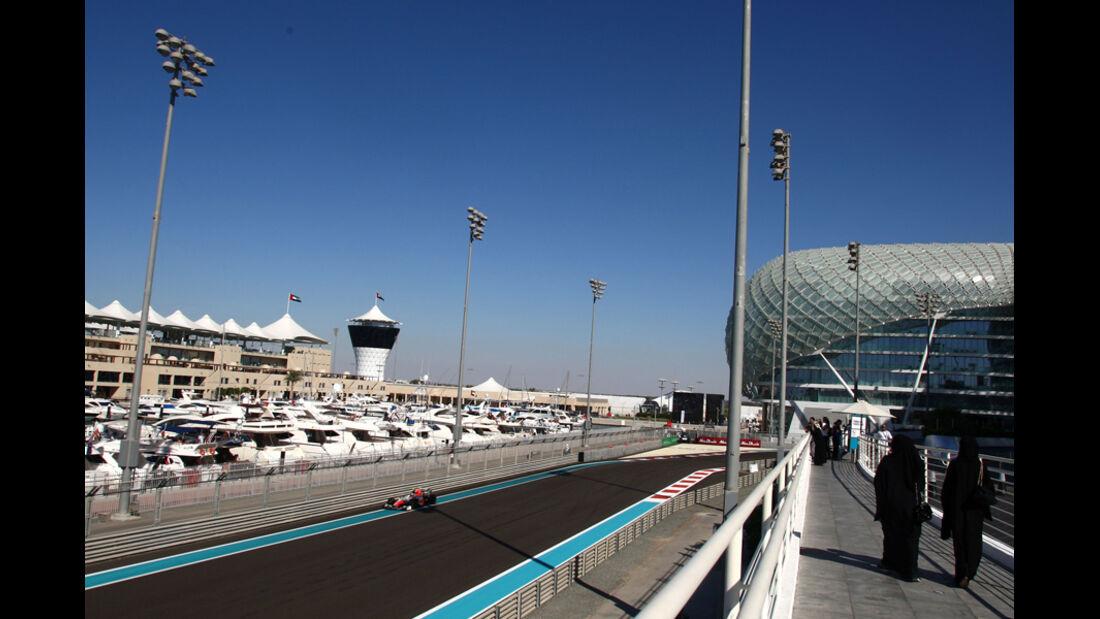 Vitantonio Liuzzi - GP Abu Dhabi - Freies Training - 11. November 2011