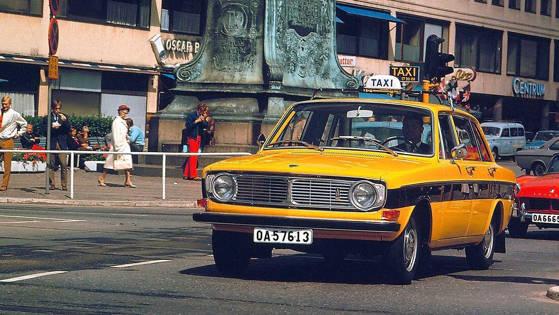 Volvo 144 Taxi