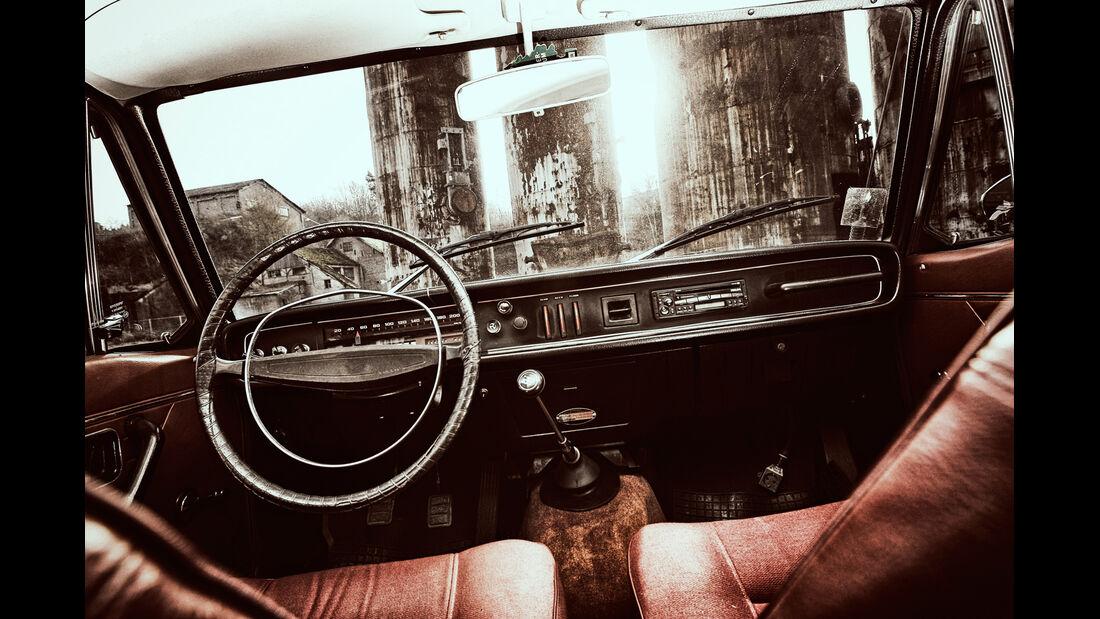 Volvo 144 de Luxe, Cockpit