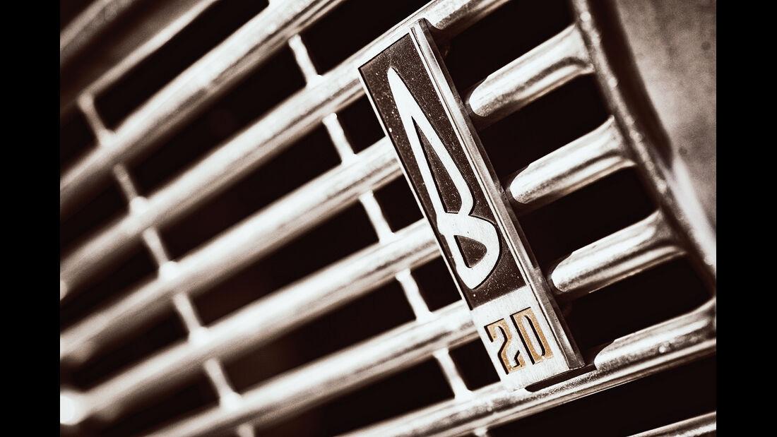 Volvo 144 de Luxe, Emblem, Kühlergrill