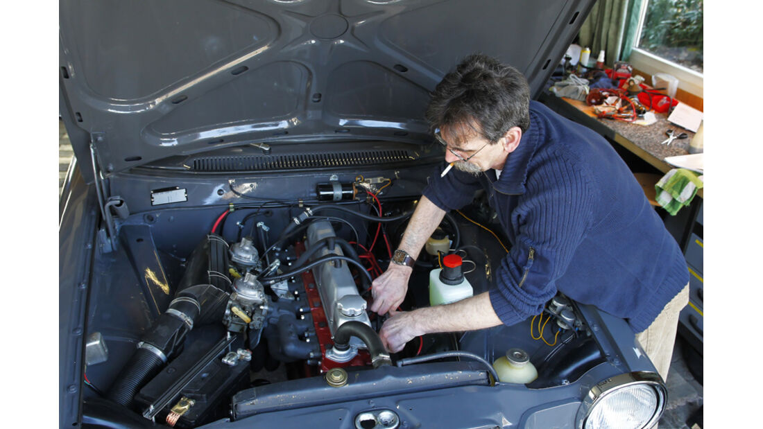 Volvo 164, Garage, Zündkerzen-Check, Heinz Vollmerhausen