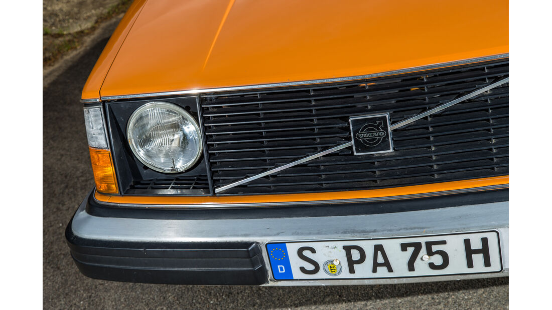 Volvo 245, Frontscheinwerfer, Kühlergrill