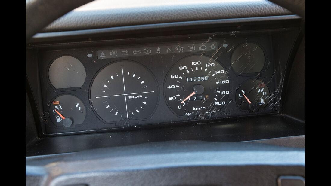 Volvo 343L, Rundinstrumente