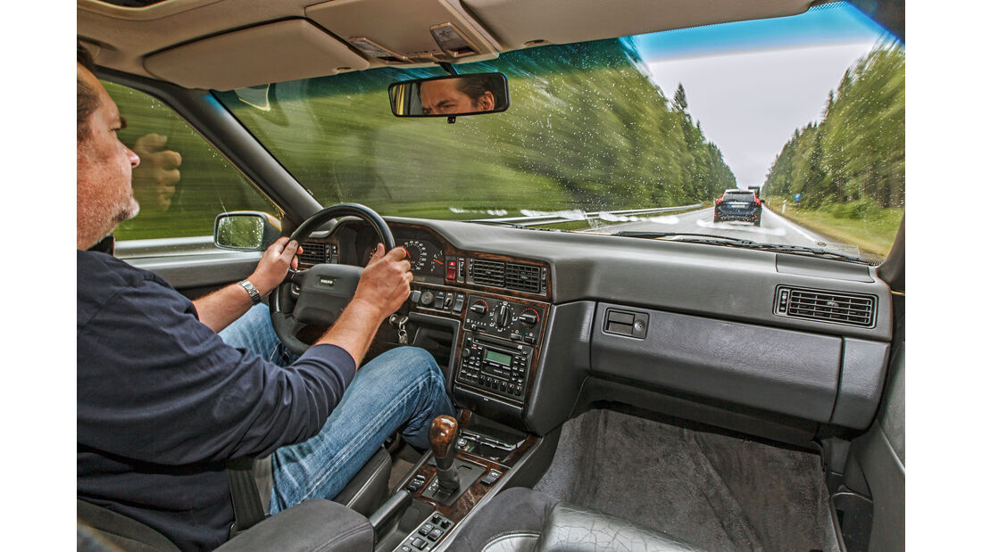 Volvo 850 T-5R, Cockpit