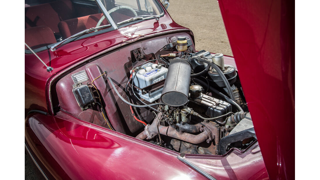 Volvo PV 444, Motor