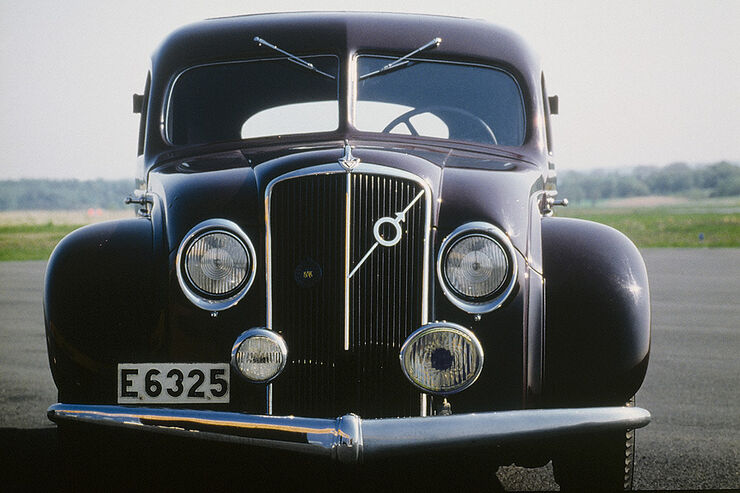 Volvo PV36