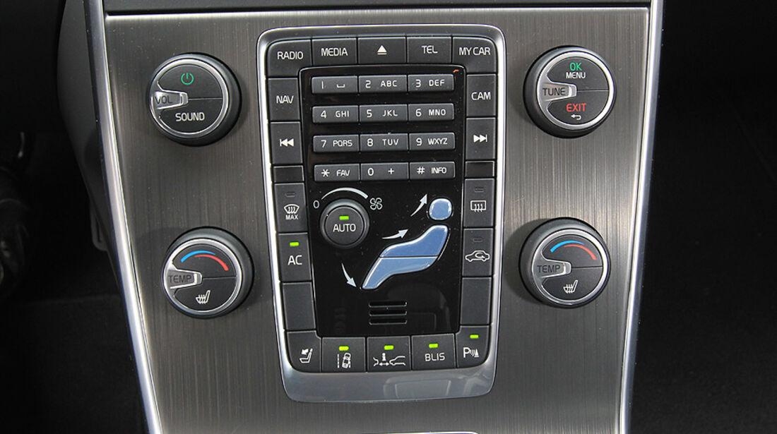 Volvo S60 2.0T Summum, ams 19/2010, Mittelkonsole